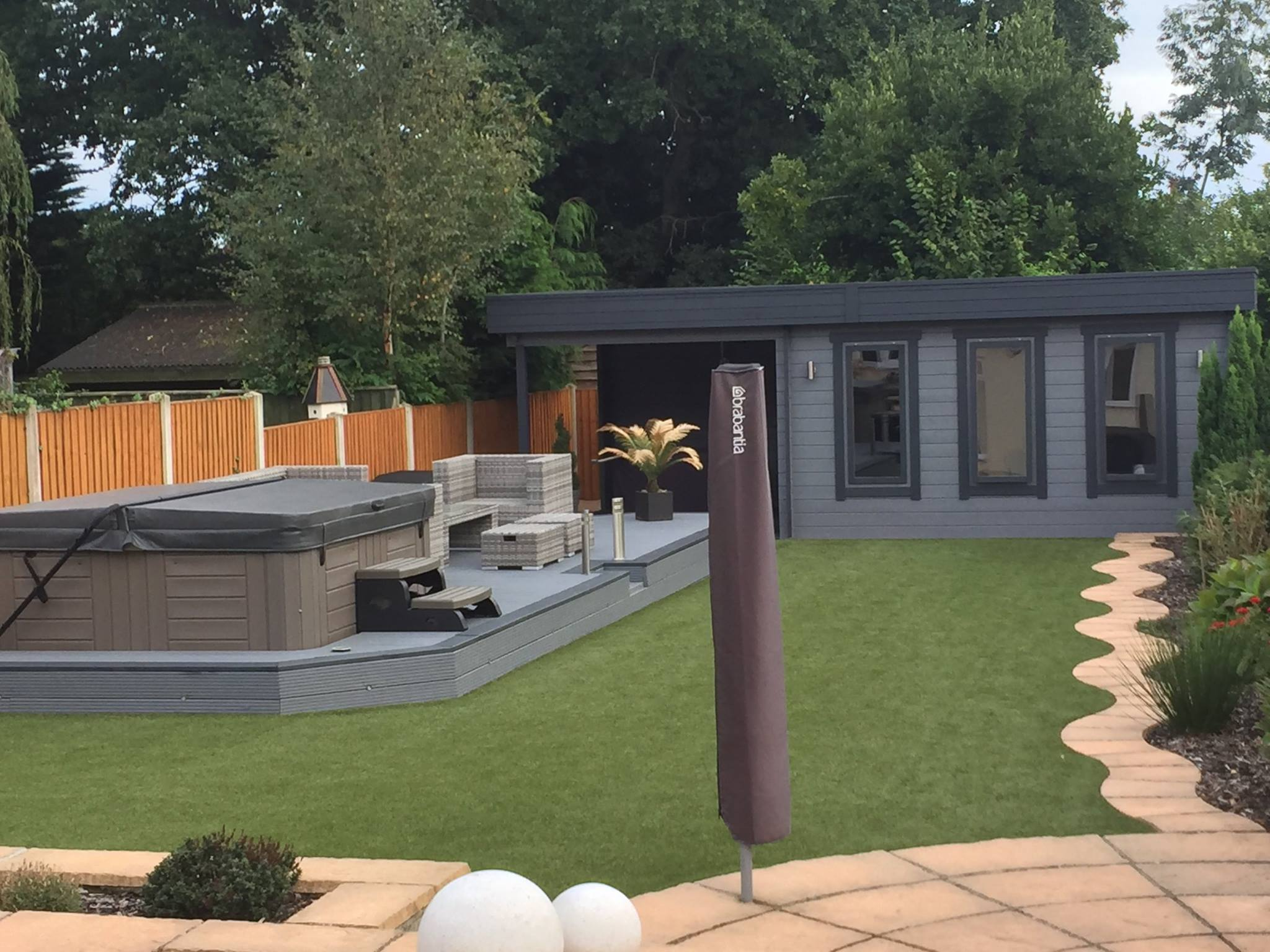 Caseta de jard n con terraza jacob e 12ms 7x3m 44mm for Casetas de jardin con porche