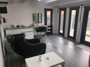 Caseta de jardín Barcelona como salón de peluquería